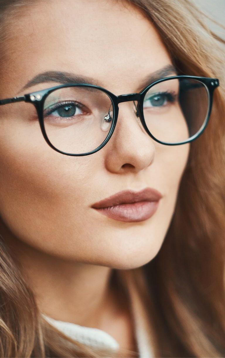 black-round-glasses