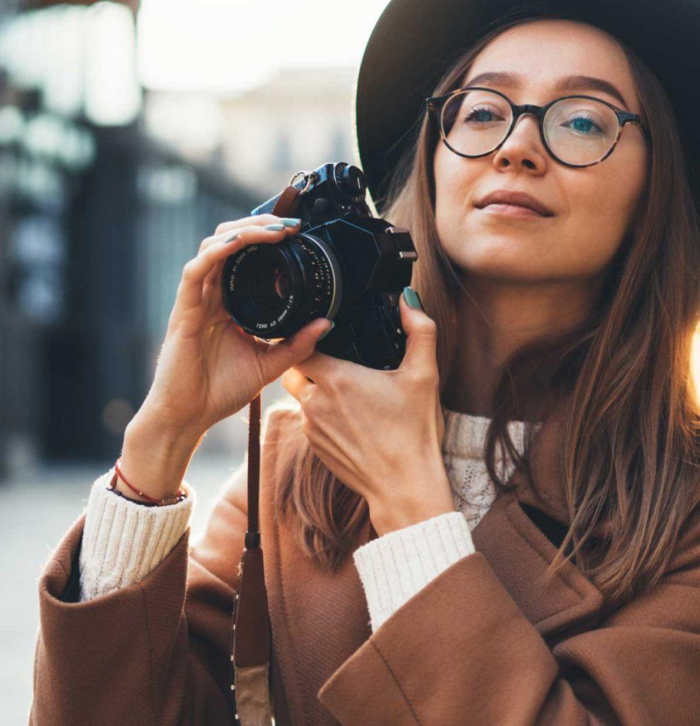 tourist-photographer
